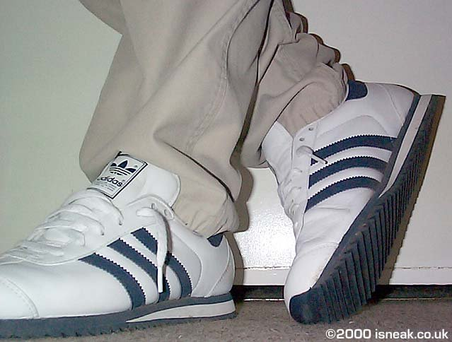 competitive price c2231 b24a5 Photo adidas country. adidascountry44.jpg